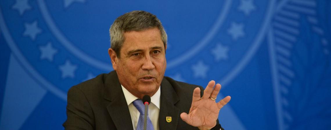 O ministro da Casa Civil, Braga Netto, fala à imprensa no Palácio do Planalto, sobre os 500 dias de governo (Foto: Marcello Casal JrAgência Brasil)