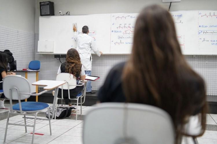 Mais de 5 milhões de crianças e adolescentes ficaram sem aulas em 2020 (Foto: )