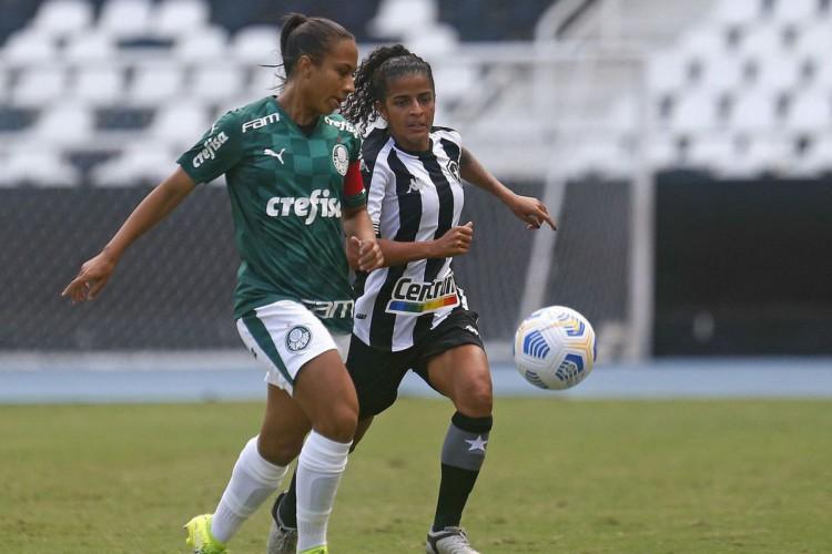 Brasileiro Feminino: Palmeiras goleia e segue na cola do Corinthians (Foto: Vitor_Silva)