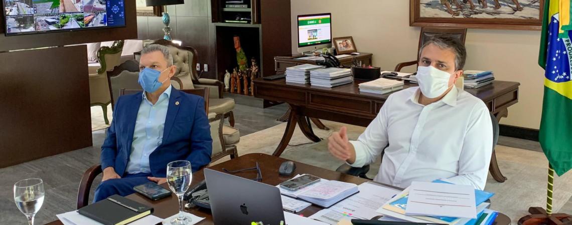 Governador Camilo Santana e prefeito José Sarto em reunião (Foto: REPRODUÇÃO/FACEBOOK CAMILO SANTANA)
