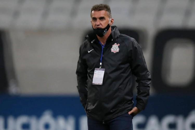 Após a derrota em casa para o Peñarol em casa, Wagner Mancini afirmou ter o respaldo da diretoria corintiana na continuidade do trabalho (Foto: Alexandre Schneider / POOL / AFP)
