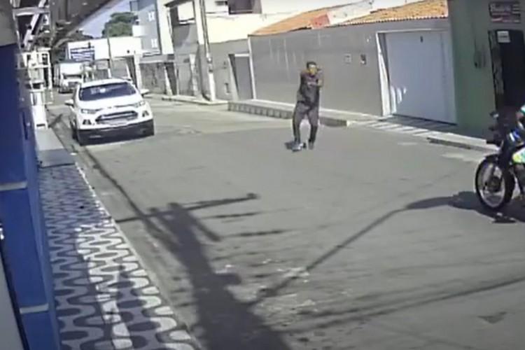 Motociclista é assaltado no bairro Vila Velha (Foto: Foto: Reprodução)
