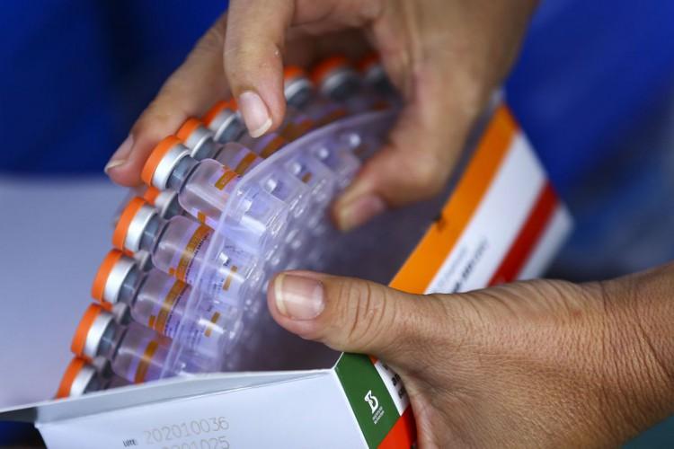 Vacinação drive-thru contra a covid-19 no Parque da Cidade, em Brasília. (Foto: Marcelo Camargo/Agência Brasil)