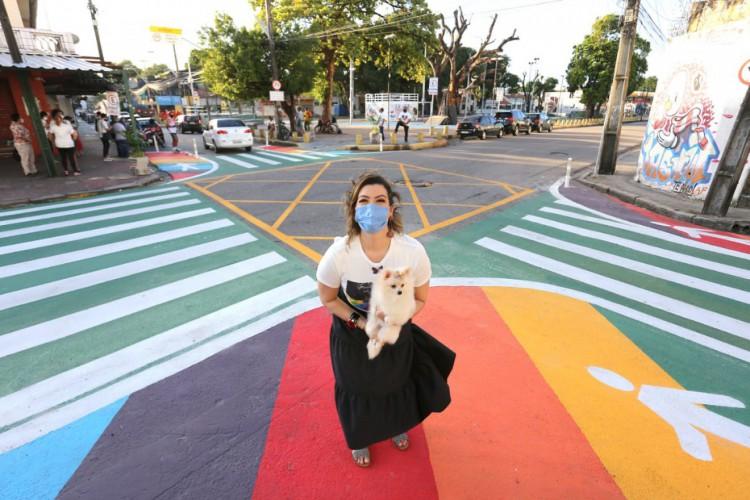 Primeira-dama de Fortaleza, Natália Herculano, afirma que apoiará novas ações de combate à LGBTfobia. (Foto: Reprodução)