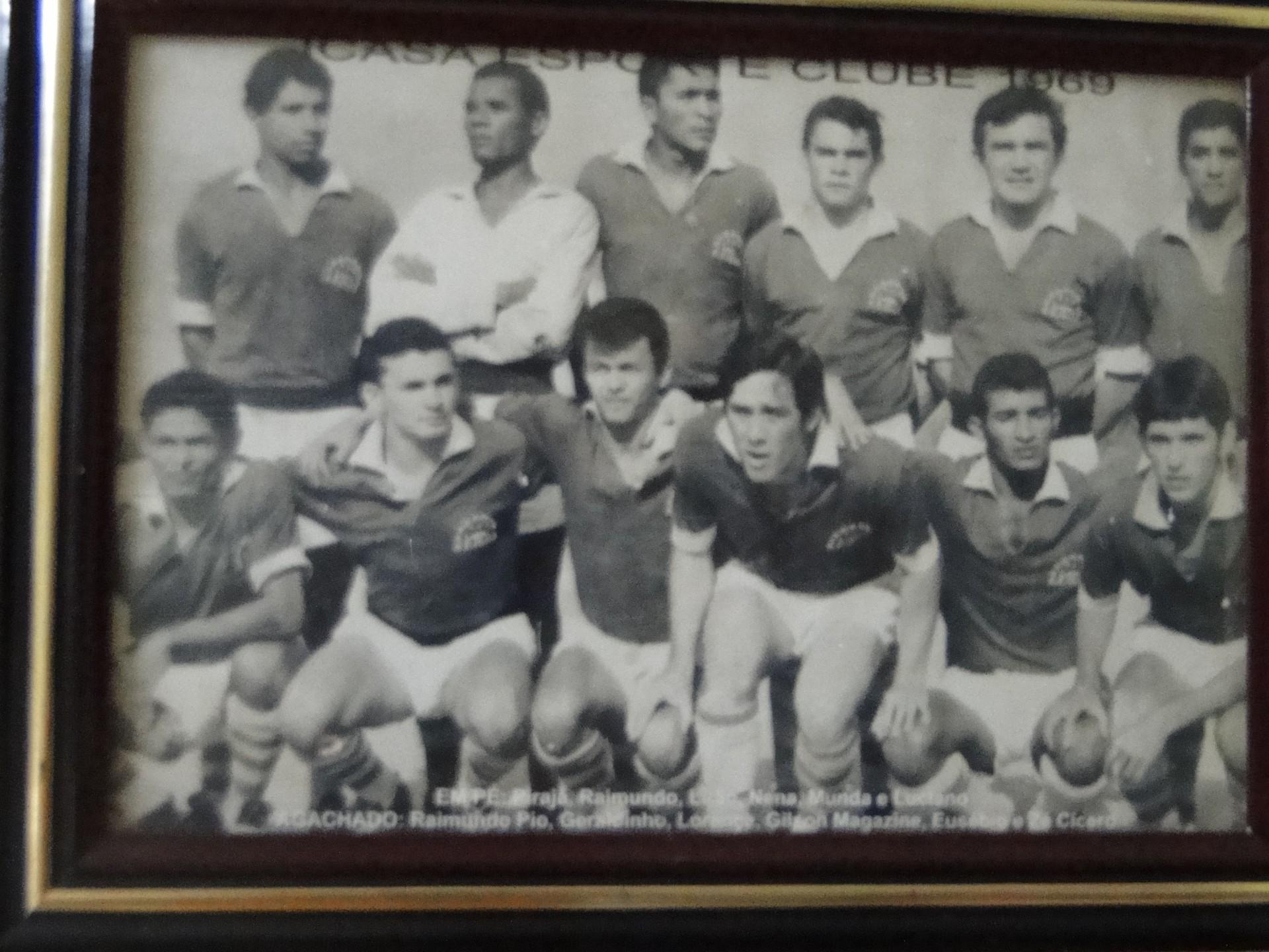 Time amador do Icasa, em 1969. Na foto, Geraldino é o segundo agachado da esquerda para a direita(Foto: acervo pessoal)