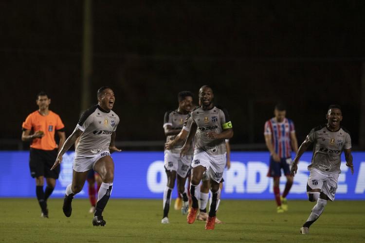 Atacante Jael comemora gol no jogo Bahia x Ceará, no estádio de Pituaçu, pela final da Copa do Nordeste 2021 (Foto: Lucas Figueiredo/CBF)