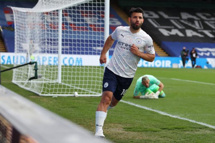 Aguero voltou a marcar com a camisa do City e abriu o placar para a vitória por 2 a 0 contra o Crystal Palace (Foto: Catherine Ivill / POOL /AFP)