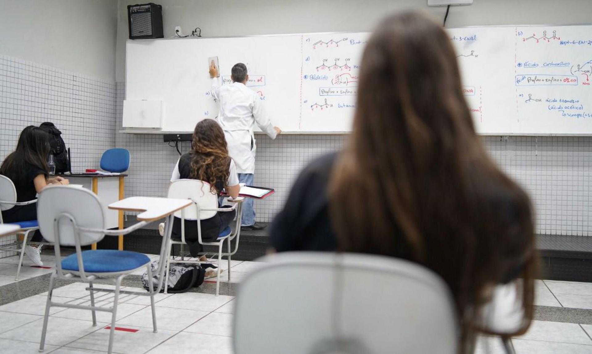 Ensino médio ainda não voltou a ter aulas presenciais no Ceará