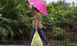 FORTALEZA,CE, BRASIL, 03.05.2021: Chuva nesta manhã causa transtornos para a população. Aerolandia.  (Fotos: Fabio Lima/O POVO)
