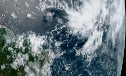 Imagens de satélite mostram formação de nuvens de chuva no Ceará