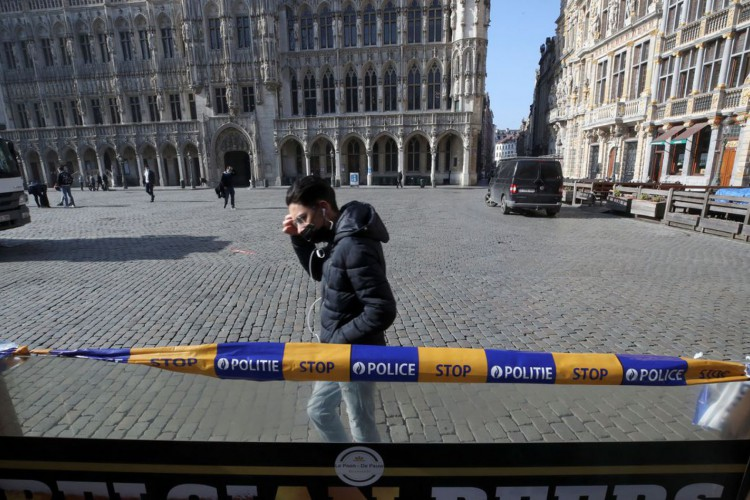 Comissão Europeia propõe reabrir fronteiras a estrangeiros vacinados (Foto: )