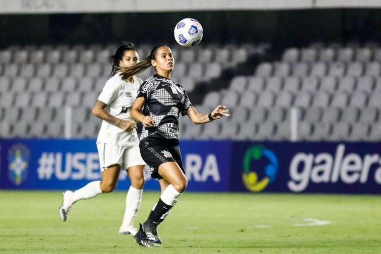 Santos bate o favorito Corinthians e vai para o segundo lugar do Brasileirão Feminino (Foto: Rodrigo Gazzanel / Rodrigo Coca)