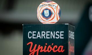 Bola do Campeonato Cearense 2021 na Arena Castelão