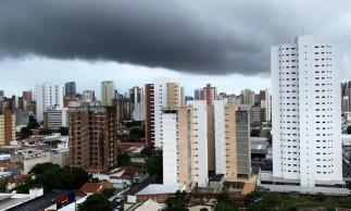 Formação de nuvens durante à tarde em Fortaleza