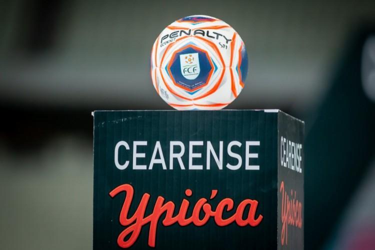 Bola do Campeonato Cearense 2021 na Arena Castelão (Foto: Pedro Chaves/FCF)