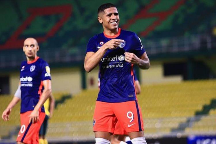 Bergson comemora 10º gol marcado pelo Johor FC (Foto: DIVULGAÇÃO/JOHORFC)