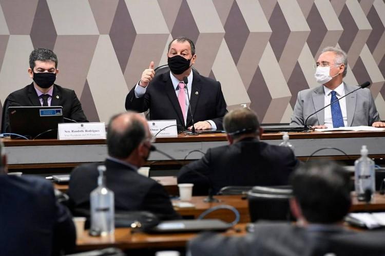 Randolfe Rodrigues, Omar Aziz e Renan Calheiros: respectivamente vice-presidente, presidente e relator da CPI   (Foto: Agência Senado)