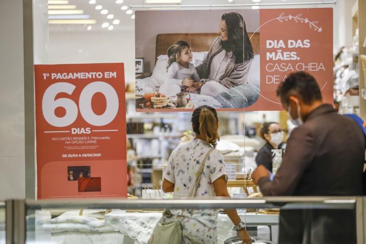 Shoppings da Grande Fortaleza participam do DLI (Foto: FCO FONTENELE)