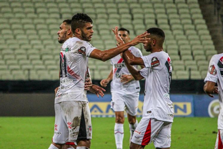 Ferrão contou com dois golaços dos três marcados no Castelão  (Foto: Lenílson Santos/Ferroviário)