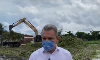 Sarto acompanha limpeza de lagoa no bairro Tancredo Neves