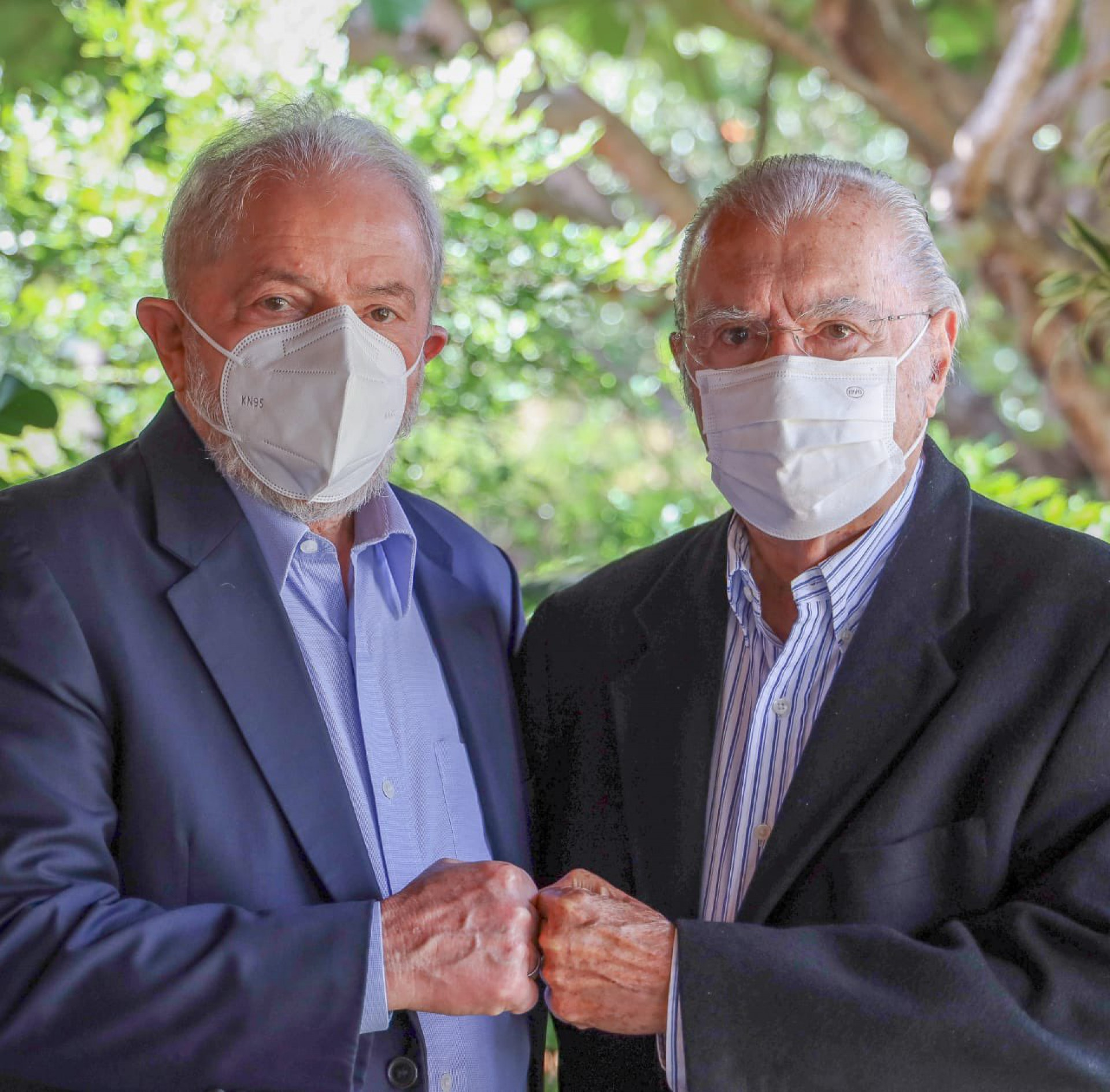 Ex-presidente Lula (PT) se encontrou com o ex-presidente José Sarney (MDB) nesta quinta-feira, 6, em Brasília