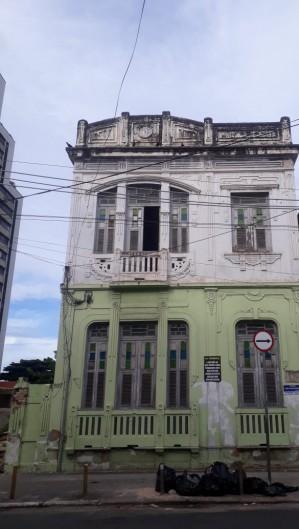 O prédio é localizado na rua Sena Madureira (Foto: Divulgação )