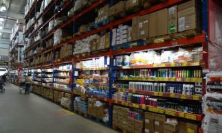 matéria especial sobre clientes de super mercado que migra para atacadão em busca de melhore preços.