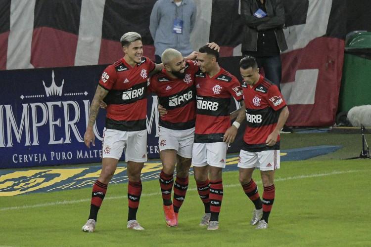 Flamengo goleia Volta Redonda e se classifica para a final do Carioca (Foto: )