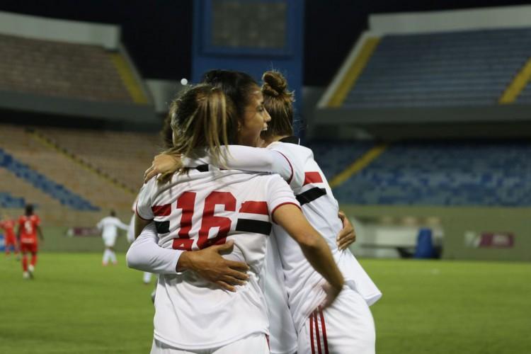 São Paulo derrota Inter e sobe para o G4 do Brasileiro Feminino (Foto: Igor Amorim SPFC)