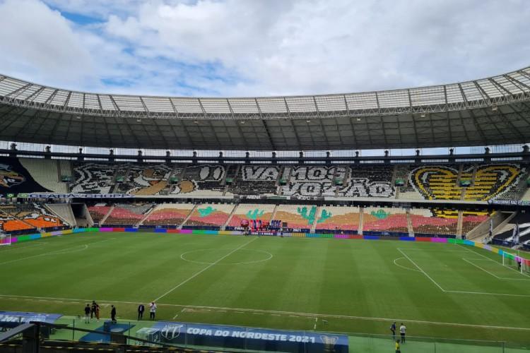 Torcida do Ceará preparou mosaico para duelo decisivo diante do Bahia pela Copa do Nordeste 2021.  (Foto: Ronaldo Oliveira)
