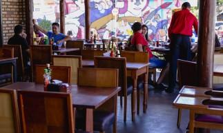FORTALEZA, CE, BRASIL, 09.05.2021: Ordones na Varjota. Volta dos Restaurantes aos finais de semana, Restaurantes no Bairro Varjota. em epoca de COVID-19. (Foto: Aurelio Alves/ Jornal O POVO)