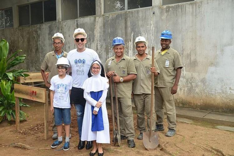 Paulo Gustavo contribuía com doações para as Obras Sociais Irmã Dulce, em Salvador. Na imagem, uma das visitas do ator à entidade, na capital baiana (Foto: divulgação)