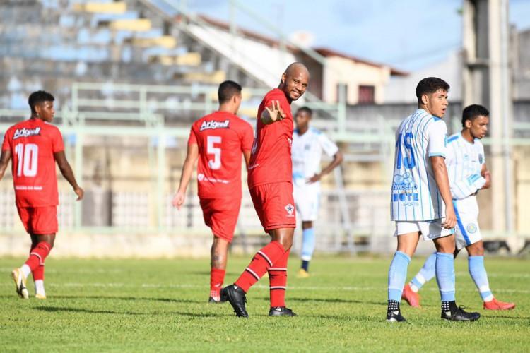 Volante Olavio comemora gol no jogo Atlético-CE x Crato, no estádio Domingão, em Horizonte, pelo Campeonato Cearense (Foto: Kely Pereira / FC Atlético Cearense)