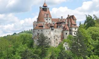 Castelo de Bran, na Romênia, é constantemente associado a Vlad Stepes, que inspirou famoso personagem literário Conde Drácula