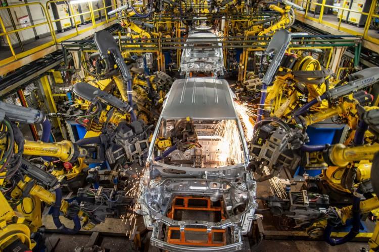 Segundo a montadora, a linha de montagem da fábrica de São Caetano do Sul será preparada em várias etapas para produzir a nova picape  (Foto: Divulgação/GM)