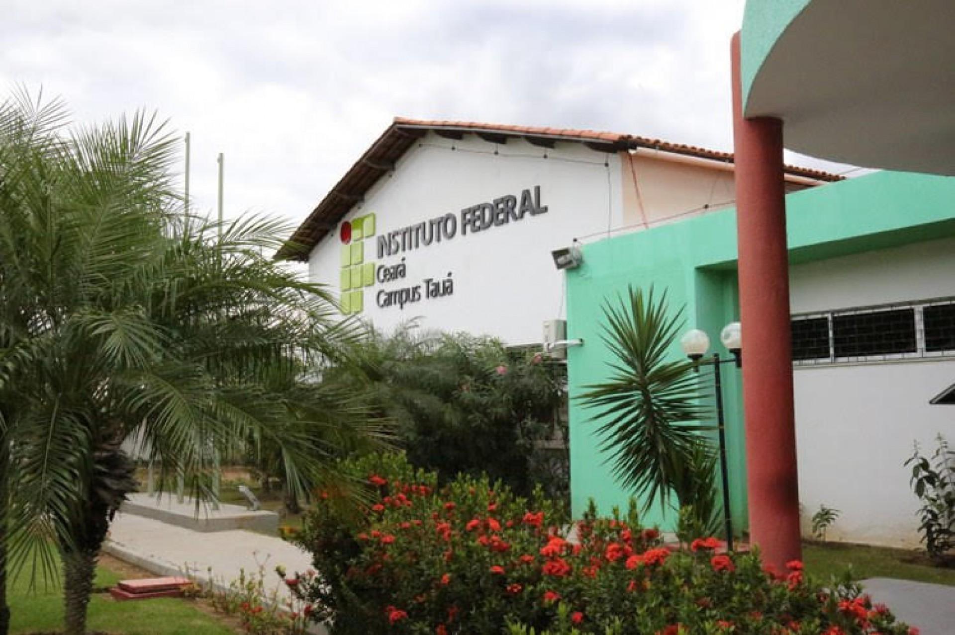 IFCE - Campus de Tauá inscreve para especialização