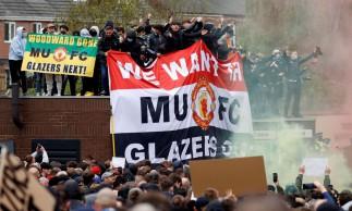 Técnico do United pede que torcedores evitem protestos violentos