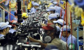 Fábrica da Yamaha. Linha de montagem de motocicletas Yamaha. Chão de fábrica..Manaus (AM) 26.10.2010 - Foto: José Paulo Lacerda
