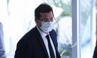 O ex-secretário de Comunicação do governo federal Fabio Wajngarten entregou, na tarde desta quarta-feira, 12, uma carta da Pfizer à CPI da Covid.