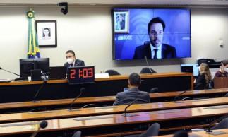 Caberá ao Congresso definir modelo de privatização da ECT, diz Faria