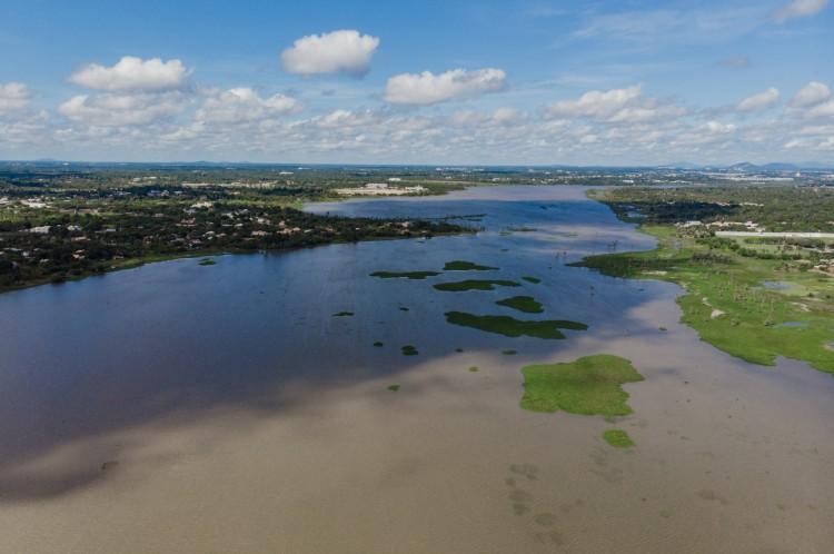 Vista aérea da lagoa da Precabura, onde estudo ornitológico identificou a presença de 172 aves.