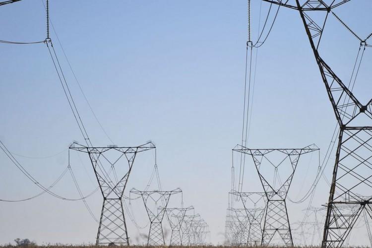 Linhas de transmissão de energia (Foto: Marcello Casal Jr/Agência Brasil)