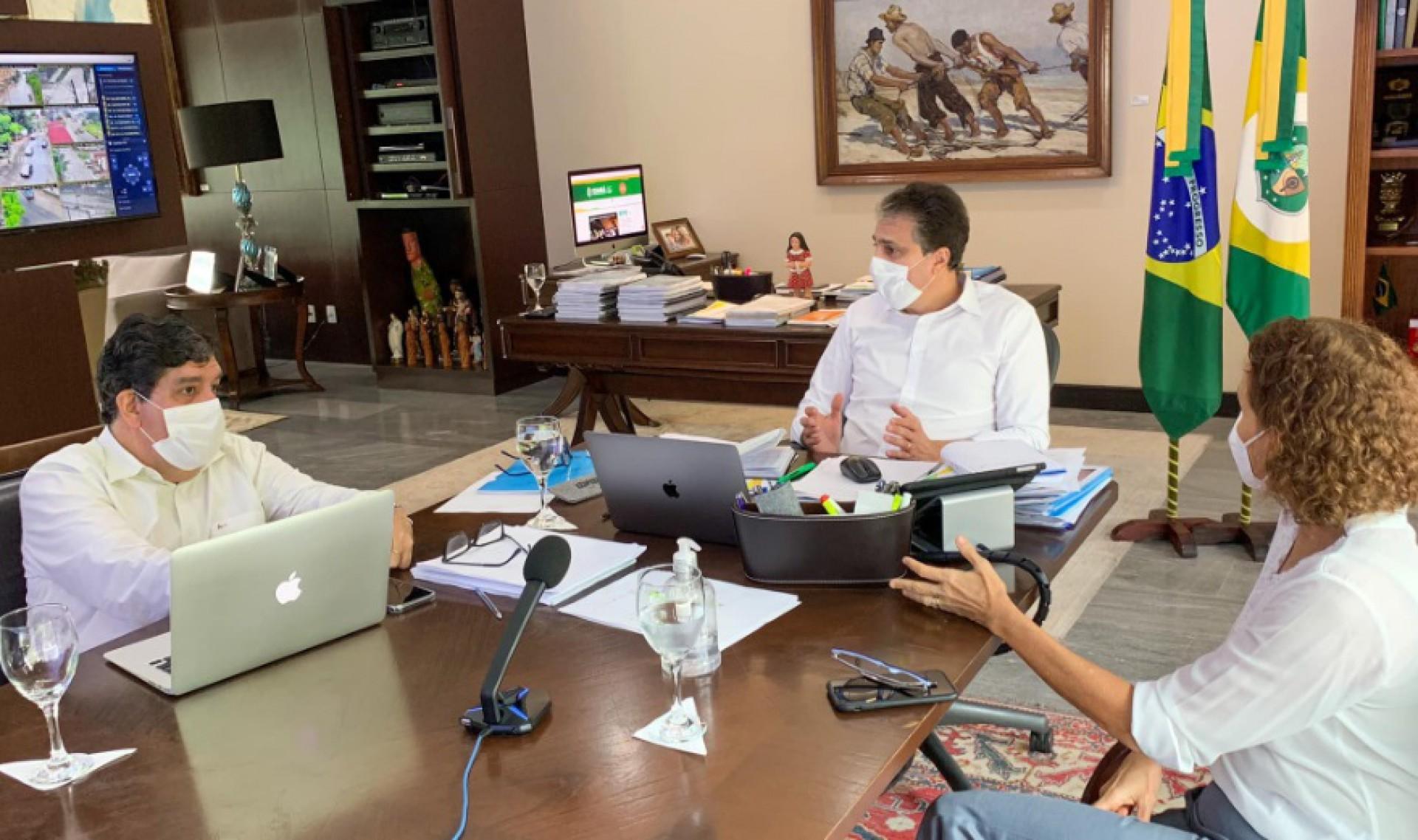 Camilo Santana reúne Comitê de Enfrentamento à Covid