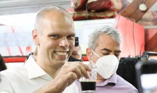 Visita do prefeito Bruno Covas ao Comércio do Jardim Ranieri e Café na Padaria Vida Nova.Crédito: Patrícia Cruz/Fotos Publicas