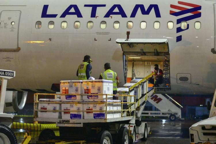 O primeiro lote deve desembarcar no Aeroporto Internacional de Fortaleza na manhã deste sábado, 2 (Foto: divulgação)