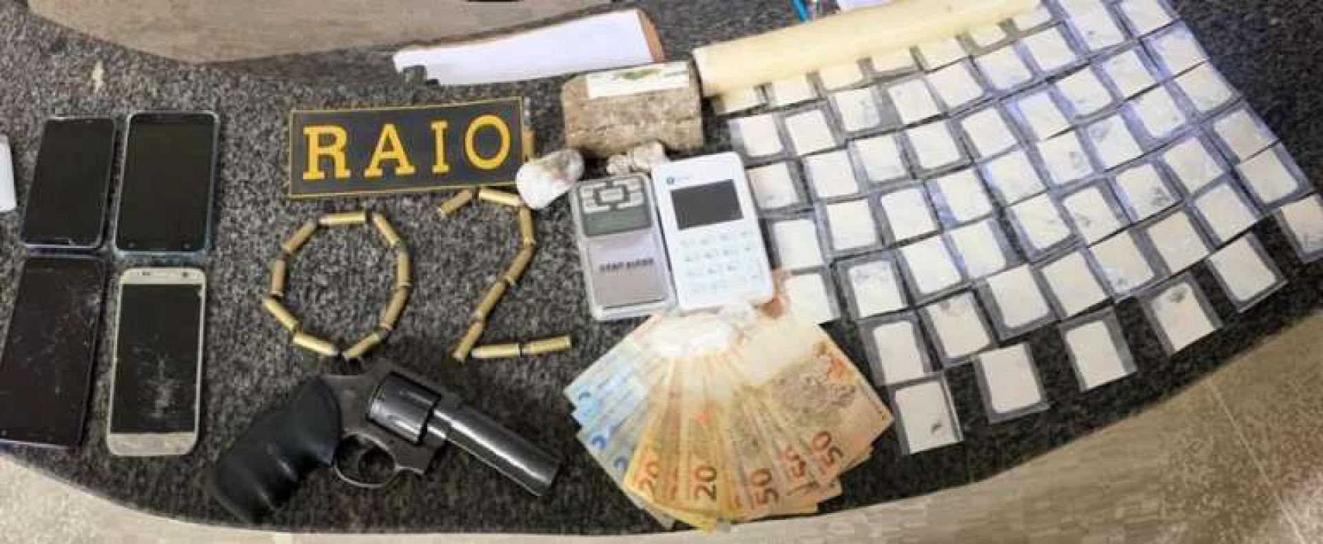 Dois homens foram presos em flagrantes por tráfico de drogas em Limoeiro do Norte