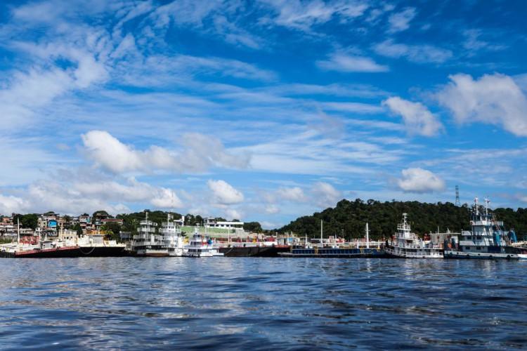 Porto do Ceasa, no Rio Negro, em Manaus (Foto: Marcelo Camargo/Agência Brasil)