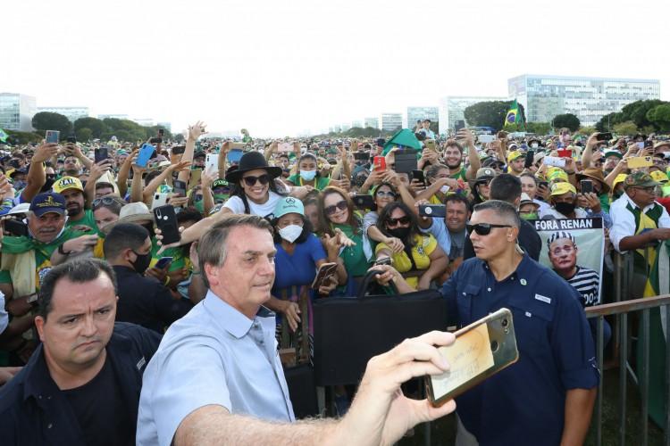 Rede social do Planalto desmente versão contada à CPI e revela registros de Bolsonaro em aglomerações (Foto: Reprodução/Flickr)