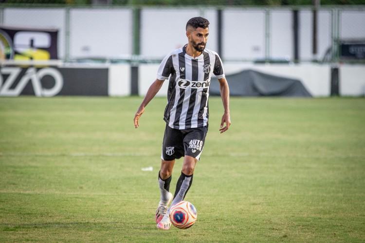 Jorginho entrou em campo no decorrer do segundo tempo e substituiu Vina.  (Foto: Fernando Ferreira / Ceará SC)