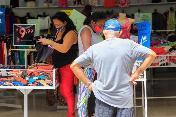 Indicadores epidemiológicos fizeram com que o governador Camilo Santana (PT) permitisse a ampliação da retomada econômica (Foto: BARBARA MOIRA)